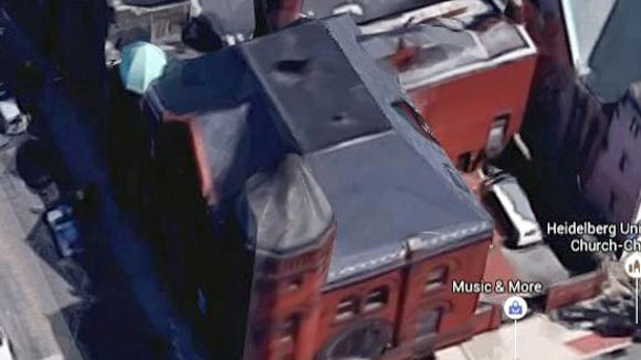 This Google Earth 3D view shows the chimney at the rear of the building