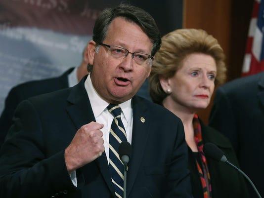 Senate Democrats Announce Added Legislation To Address Flint Water Crisis
