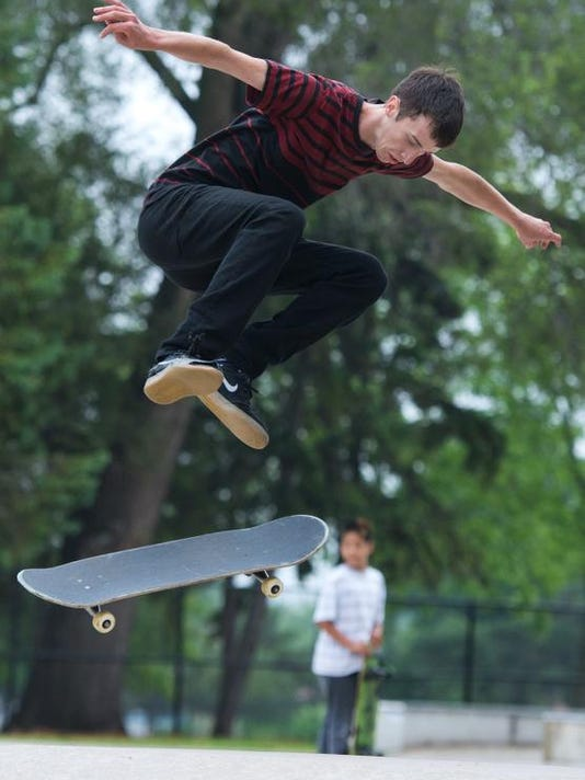 -GPG_KB_Skateboarding01.jpg_20140620.jpg