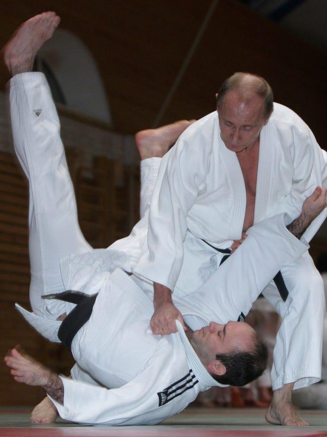 Putin Awarded 8th Degree Black Belt In Karate
