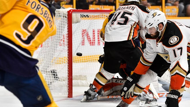 Predators left wing Filip Forsberg (9) scores a goal past Ducks goalie John Gibson (36) during the third period of Game 3 of the Western Conference finals Tuesday, May 16, 2017.