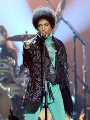 LAS VEGAS, NV - MAY 19:  Musician Prince performs onstage