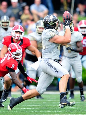 Vanderbilt tight end Steven Scheu (81) is a semifinalist for the William V. Campbell Torphy, which is awarded to the nation's top scholar football player.