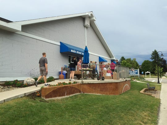 With power out, Main Street Market in Egg Harbor set up shop outside the store.