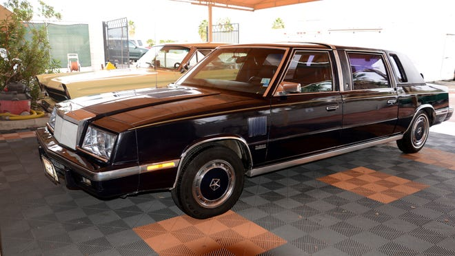Frank Sinatra's 1986 Chrysler LeBaron limousine will be up for auction later this month at McCormick's Palm Springs Collector Car Auction.