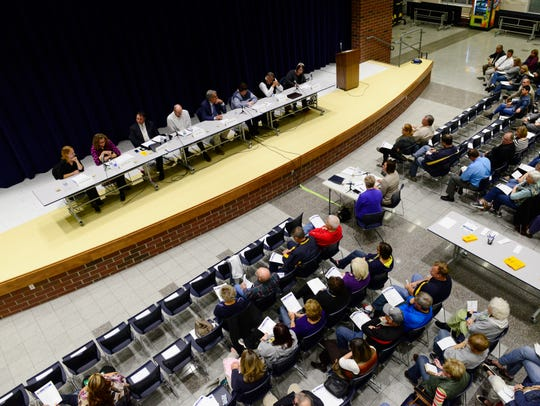 Former candidates speak at a prior Woodmore School Board forum in October 2015.