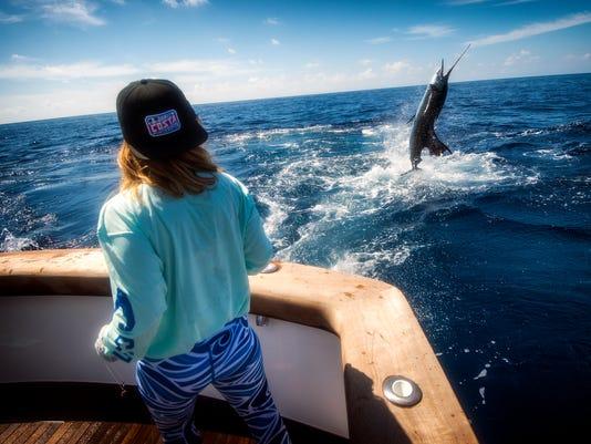636576694271446133-0007---Pacific.sailfish.jump.jpg