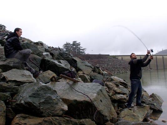 636245210656426137-guys-fishing.JPG