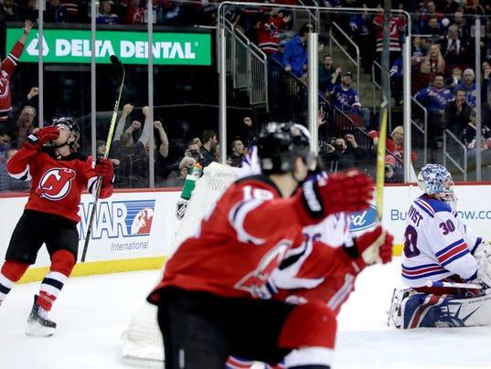 636495018338858863-Rangers-Devils-Hockey-njha-16-.jpg