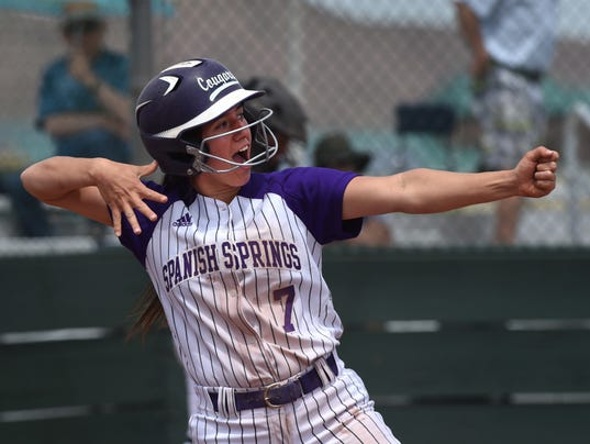 636623516570523940-Softball-playoff-1.JPG