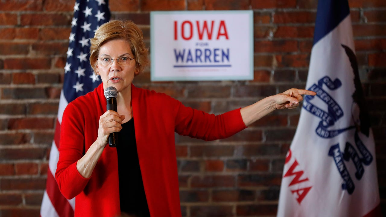 Democrats Warren, Klobuchar on campaign trail
