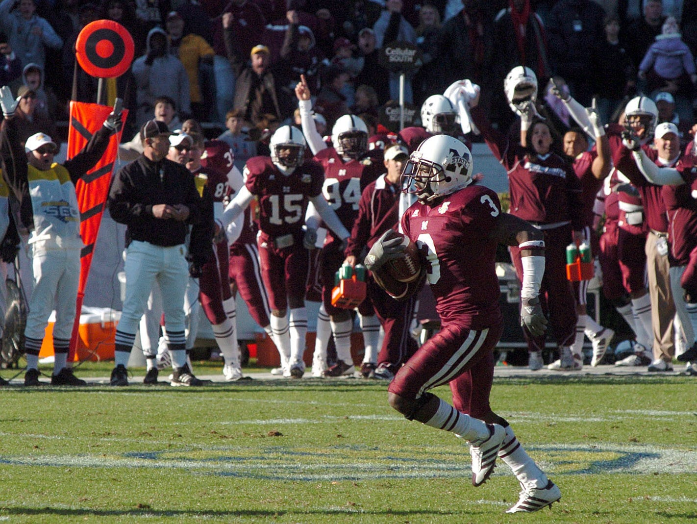 Mississippi State defensive back Derek Pegues tied the 2007 Egg Bowl by running back a punt return for a touchdown in the fourth quarter.