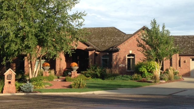 2305 W. Barrington Circle for $1,325,000, from Gina M. Jensen Trust to Blue Harvest Trust.