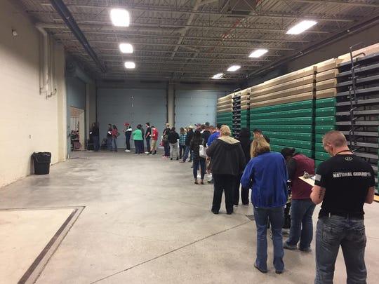 voting late registration line