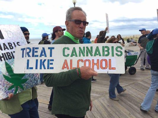 IMG_Cannabis_rally_1_1_8HIA0UH9.jpg_20170517.jpg