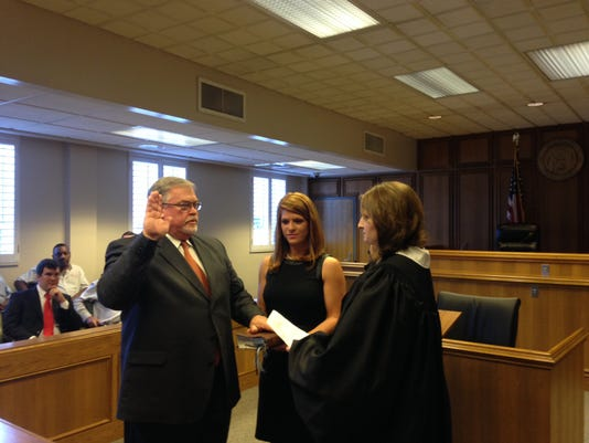 Smith swearing in