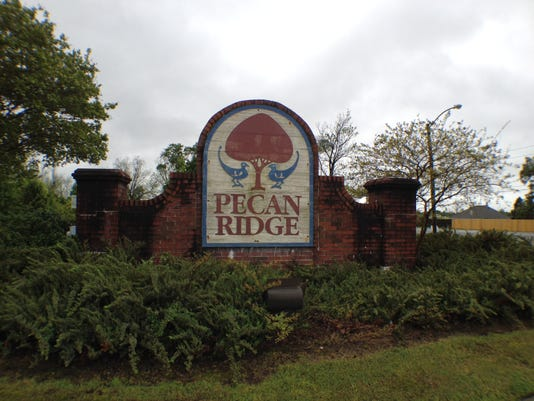 Pecan Ridge sign