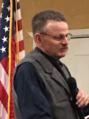 Lincoln County Sheriff Robert Shepperd addresses county Republicans Monday.
