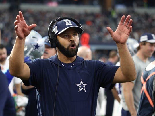 Dec 23, 2018; Arlington, TX, USA; Dallas Cowboys defensive backs coach Kris Richard on the sidelines during the game against the Tampa Bay Buccaneers at AT&T Stadium. Mandatory Credit: Matthew Emmons-USA TODAY Sports