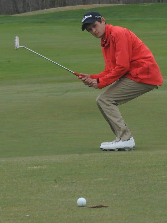 -DCA 0411 woldt larry golf.jpg_20150410.jpg