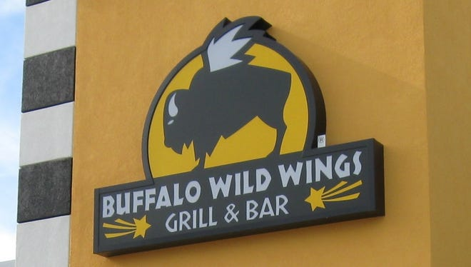 Buffalo Wild Wings has announced that its planned Oct. 31 grand opening in Mountain Home has been delayed until mid-November.