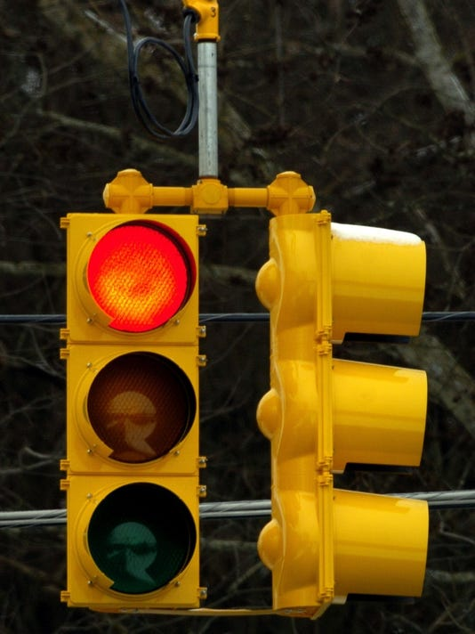 636002806488696112-stoplight.jpg