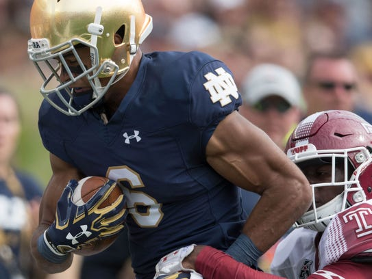 Notre Dame wide receiver Equanimeous St. Brown catches