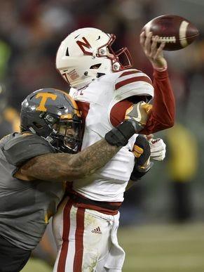 Tennessee defensive end Derek Barnett (9) sacks Nebraska quarterback Ryker Fyfe (17) in the 2016 Music City Bowl.