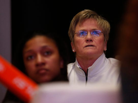 Tennessee head coach Holly Warlick and the Lady Vols