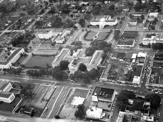 The continued growth of Florida government led to repeated expansions of the Florida capitol. In 1922, wings were added to the north and south. In 1936, a new House chamber was added to the north side; in 1947, a new Senate chamber was added to the south side.