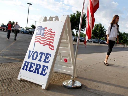 -APC voting in schools 2.jpg_20140718.jpg