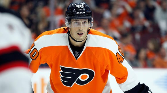 Vinny Lecavalier will sit out Tuesday night against the Columbus Blue Jackets, making it four consecutive games as a scratch.