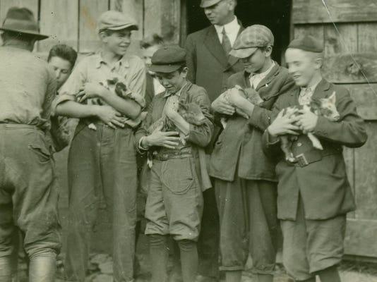boyspigs-1908-1