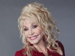 Dolly Parton plans a dickens of a Christmas musical