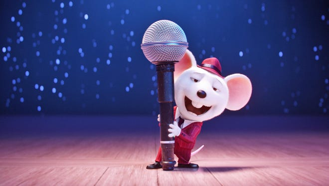 """Seth MacFarlane is Mike, a mouse who croons as smoothly as he cons, in """"Sing."""""""