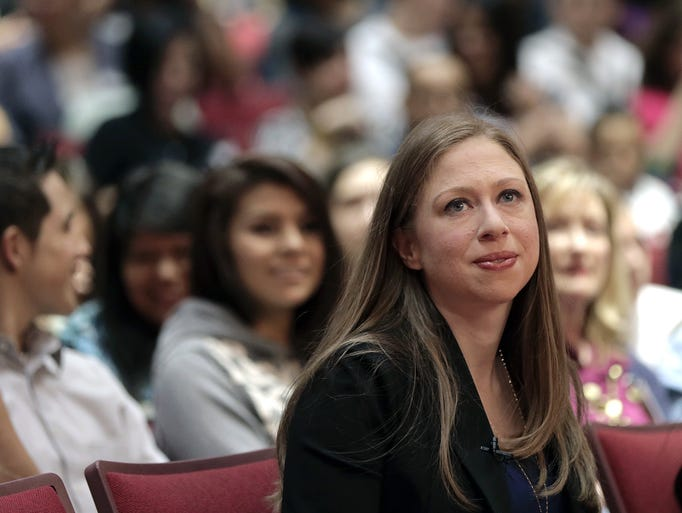 Photos Chelsea Clinton Visits El Dorado High School