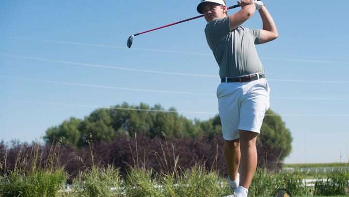 Dillon Stewart leads Fossil Ridge to regional golf title by shooting a 63