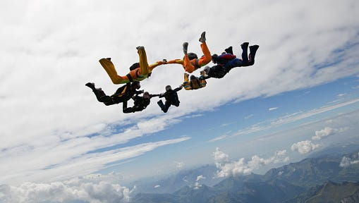 A southeastern Michigan skydiving operation grounded during a lawsuit between the company and its longtime host airport is trying another option.