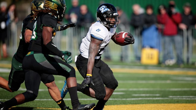 Grand Valley State running back Marty Carter gained 165 yards and scored one TD in the Lakers' 24-21 victory Saturday.