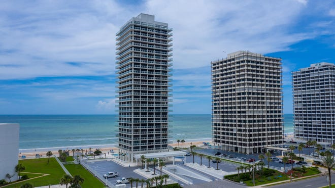 Offering spectacular views of the Atlantic Ocean and beautiful Intracoastal Waterway, Unit 14 encompasses the entire 14th floor of Aliki -- one of Daytona Beach's premiere direct-oceanfront condominium complexes.