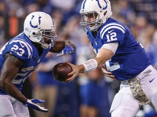 Frank Gore needs just 37 yards to eclipse 1,000 for the season.