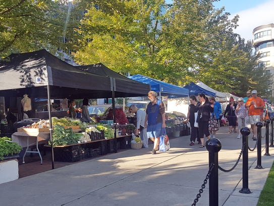 The Dane County Farmers Market packs Madison's Capitol