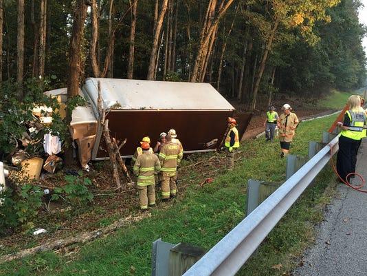 635814503647579475-Box-truck-fatal-3