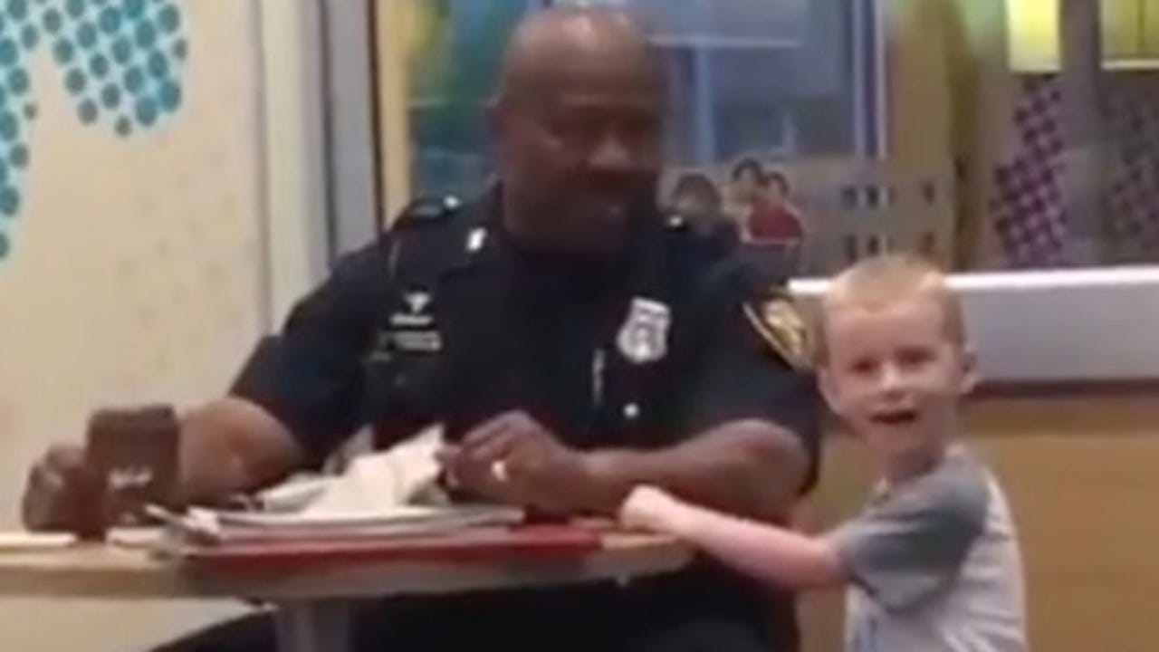 A mom in Ft. Worth, Texas captured the sweet moment her son saw a police officer and wanted to do something nice.