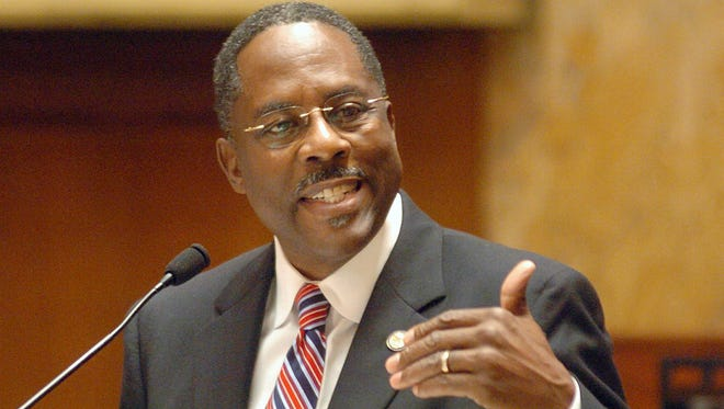 Rep. Tyrone Ellis, D-Starkville, House Public Utilities Committee Chair, encourages legislators to vote for public utilities legislation during a special session in 2009.