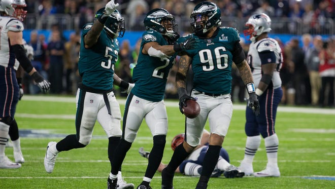 Derek Barnett recovers a Tom Brady fumble late in the fourth quarter in the Eagles' Super Bowl victory over New England.