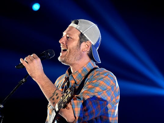 People 39 S Choice Awards Blake Shelton Unveils Next Single