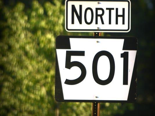 635824247290134759-LDN-MKD-110615-highway-sign-501