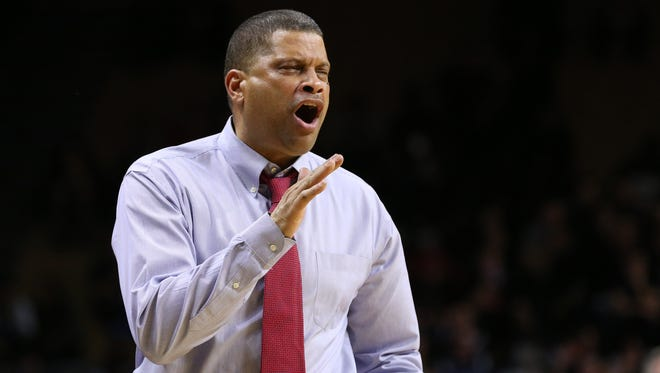 Rutgers coach Eddie Jordan added a second recruit to the 2016 recruiting class by securing a commitment from Maishe Dailey.