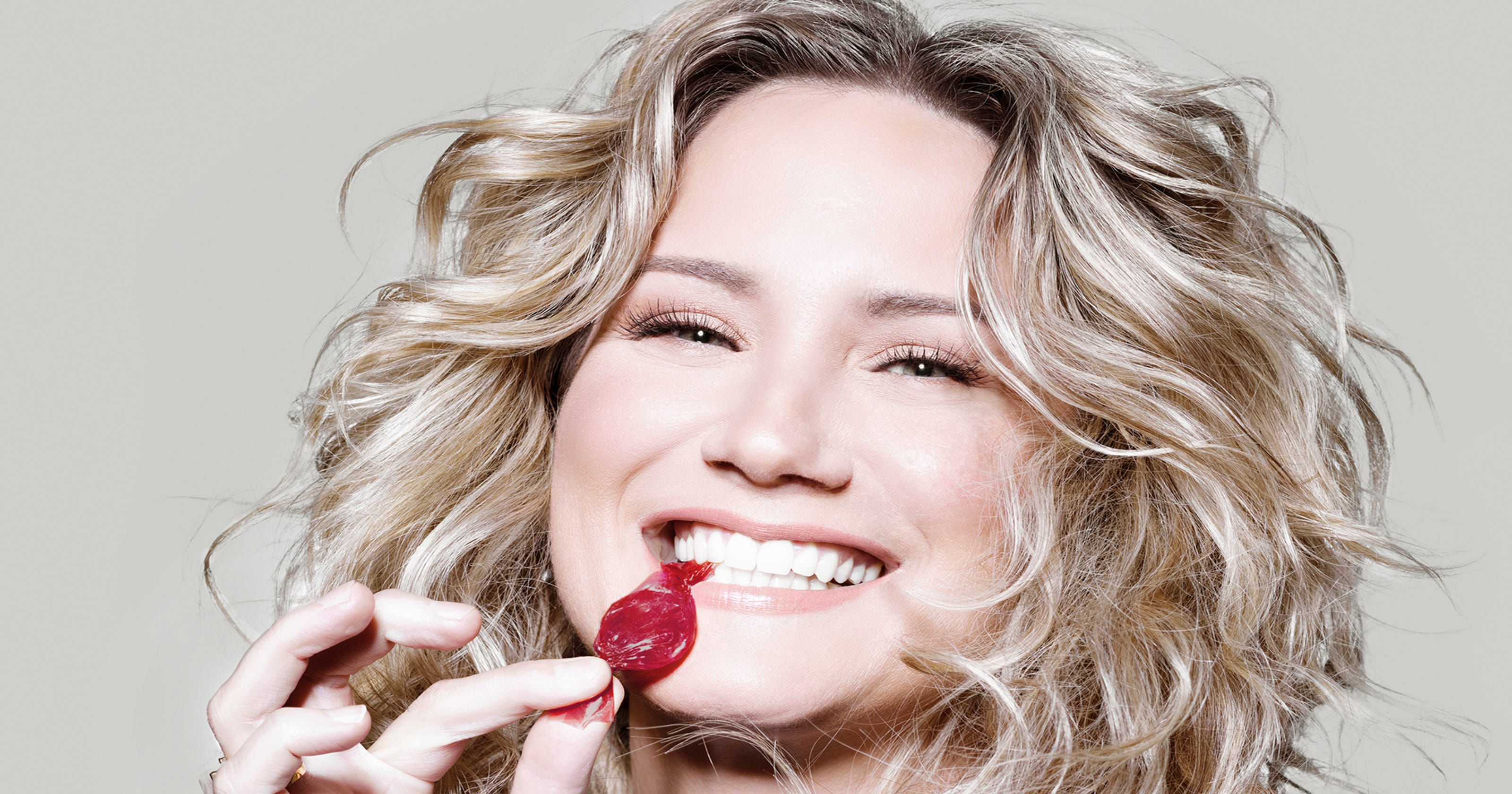 Jennifer Nettles brings Christmas cheer to Tallahassee